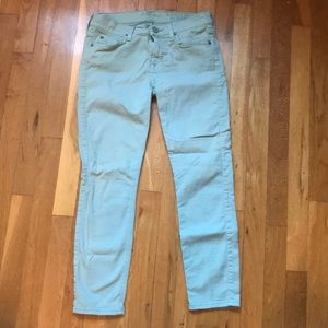 7 For All Mankind Cropped Jeans 💙💙